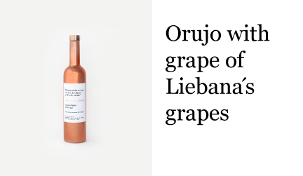 Orujo with grape of Liebana´s grapes